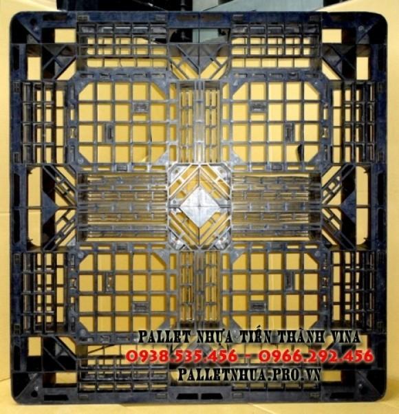 pallet-nhua-1100x1100x120mm-mau-den-1