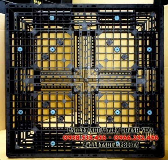 pallet-nhua-1100x1100x150mm-mau-den-1