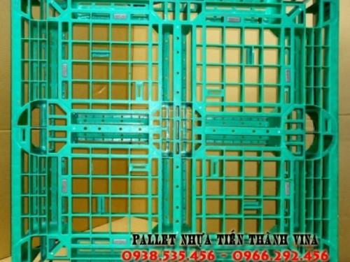 pallet-nhua-1100x1100x150mm-xanh-la-cay-1